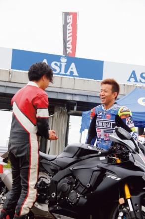 BATTLAX FUN&RIDE MEETING 中須賀選手と雑談