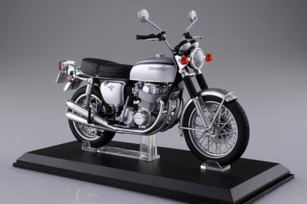 ホンダの名車『CB750FOUR (K2)』がアオシマの1/12完成品バイクシリーズに登場