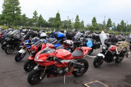 鈴鹿サーキットのバイク駐車場