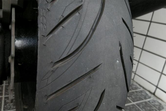 1,000㎞走行後のBATTLAX SCOOTER SC2 リヤタイヤ