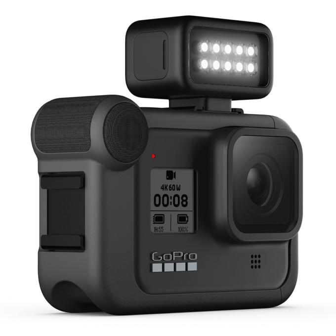 拡張モジュールのメディアモジュラーとライトモジュラーを装備したGoPro HERO8 Black