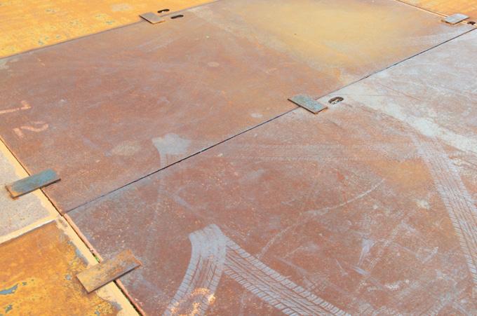 工事用鉄板