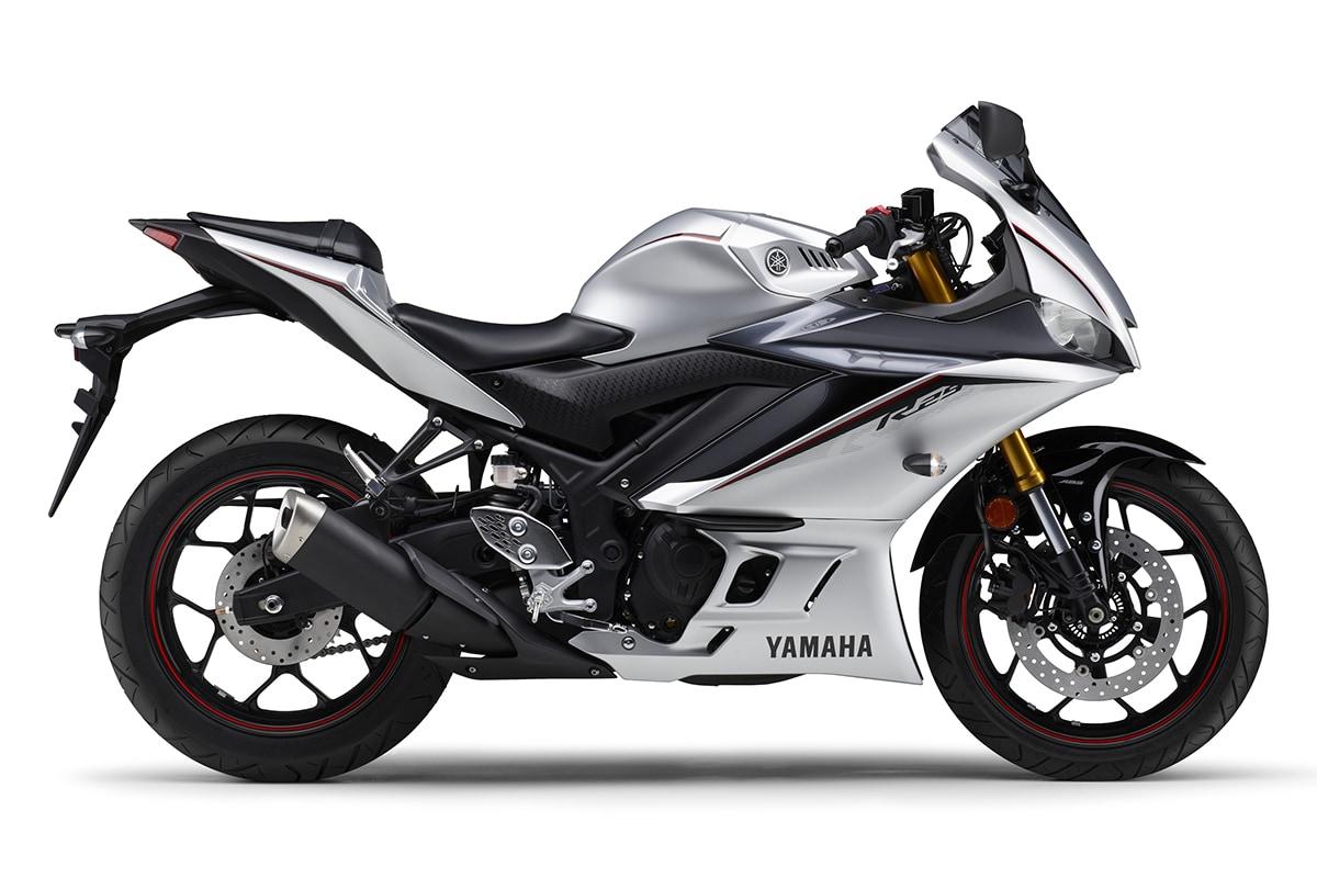 ヤマハ YZF-R25 ABS 2020年モデル(マットシルバー)右サイドビュー