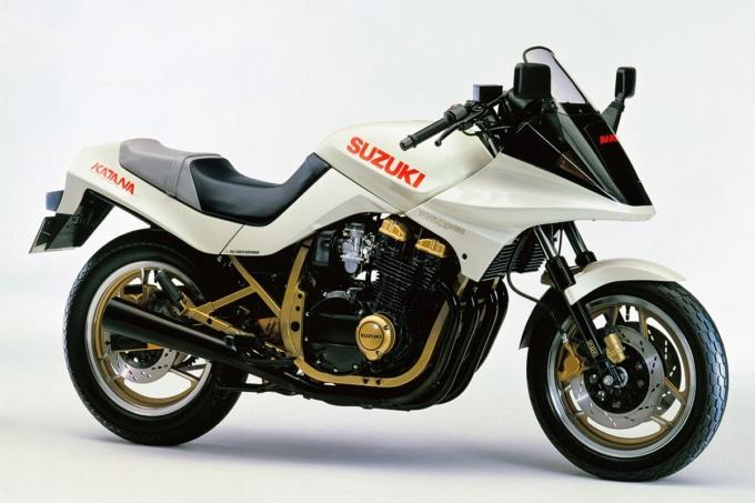 3代めGSX750Sカタナ