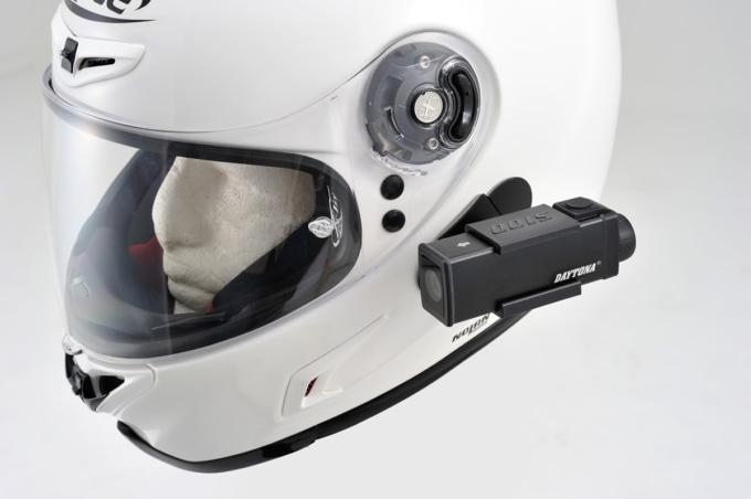 デイトナ ドライブレコーダー DDR-S100 バイク用ヘルメットに装着した例