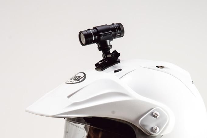 ミッドランド XTC-290用両面テープマウントでヘルメットに装着
