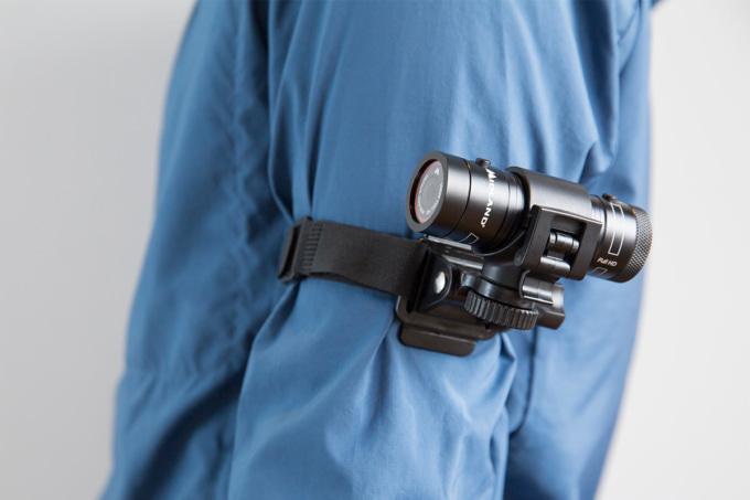 ミッドランド XTC-290用マジックテープマウントで腕に装着