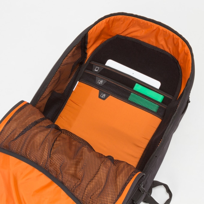 GWM X-OVER DAYPACK 30 バッグ内の収納ポケット
