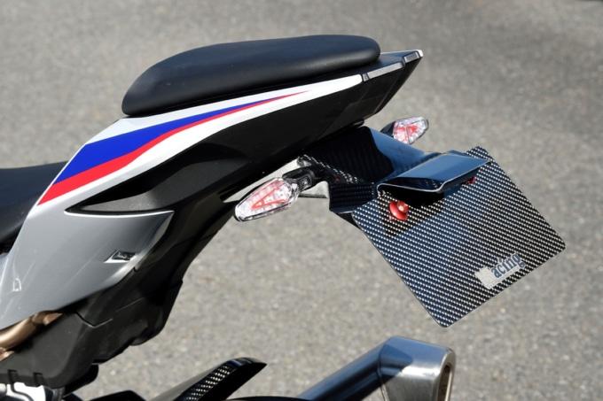 マジカルレーシング BMW S1000RR用カーボンフェンダーレスキット