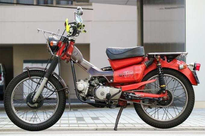 オートボーイ津田沼のリサイクルカブサービスでリフレッシュを依頼するハンターカブ