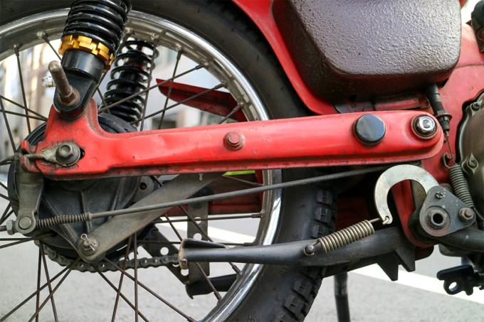 オートボーイ津田沼のリサイクルカブサービスでリフレッシュを依頼するハンターカブのリヤ足まわり