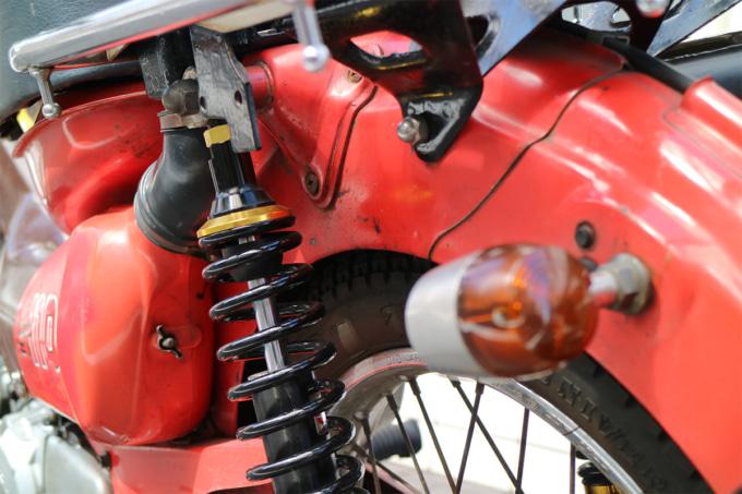 オートボーイ津田沼のリサイクルカブサービスでリフレッシュを依頼するハンターカブのリヤショック