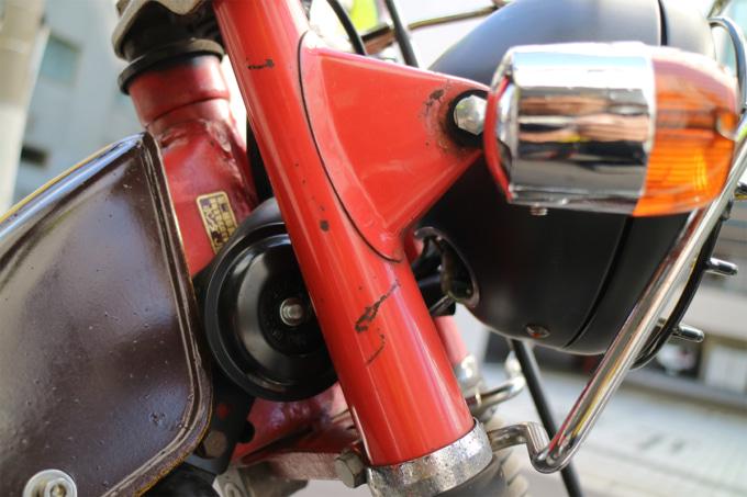オートボーイ津田沼のリサイクルカブサービスでリフレッシュを依頼するハンターカブのヘッドライトまわり