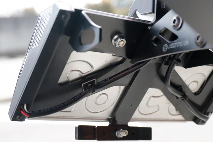 アクティブ LEDナンバーサイドウインカーの裏の配線