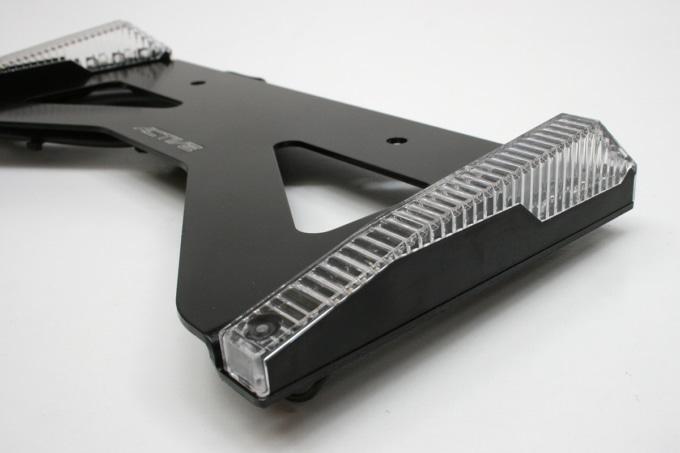 アクティブ LEDウインカー ライセンスホルダー付(クリアレンズ)