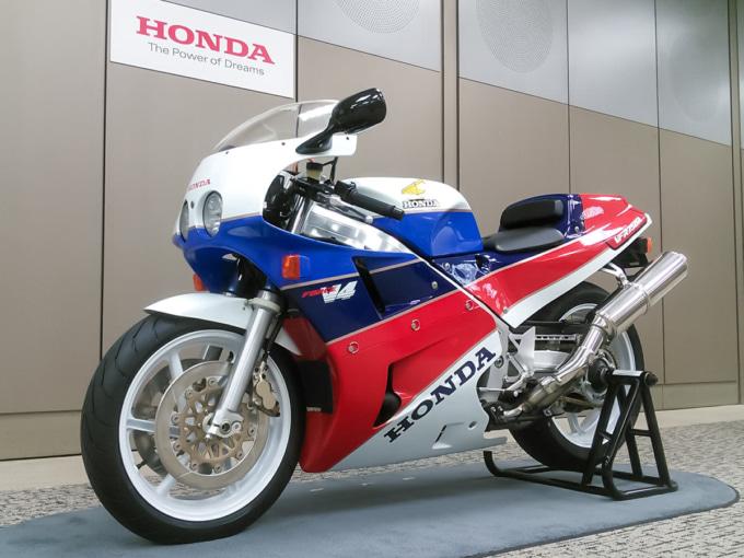 HONDA VFR750R(RC30)