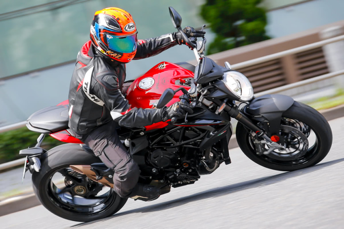 MV AGUSTA BRUTALE800 ROSSO 走行