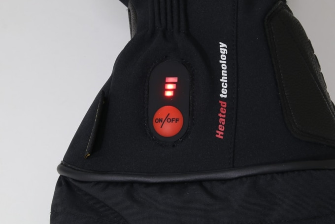 ROM 電熱グローブ「ゼロスグラブ ヒート」電源ボタン2