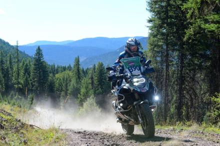 2014年 インターナショナルGSトロフィー カナダの山道を走るR1200GS