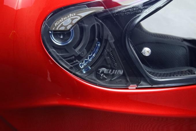 カブトの新型ヘルメット・SHUMA(シューマ)側面