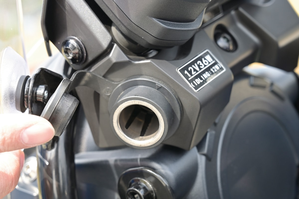 SUZUKI V-Strom250 ABS DCソケット
