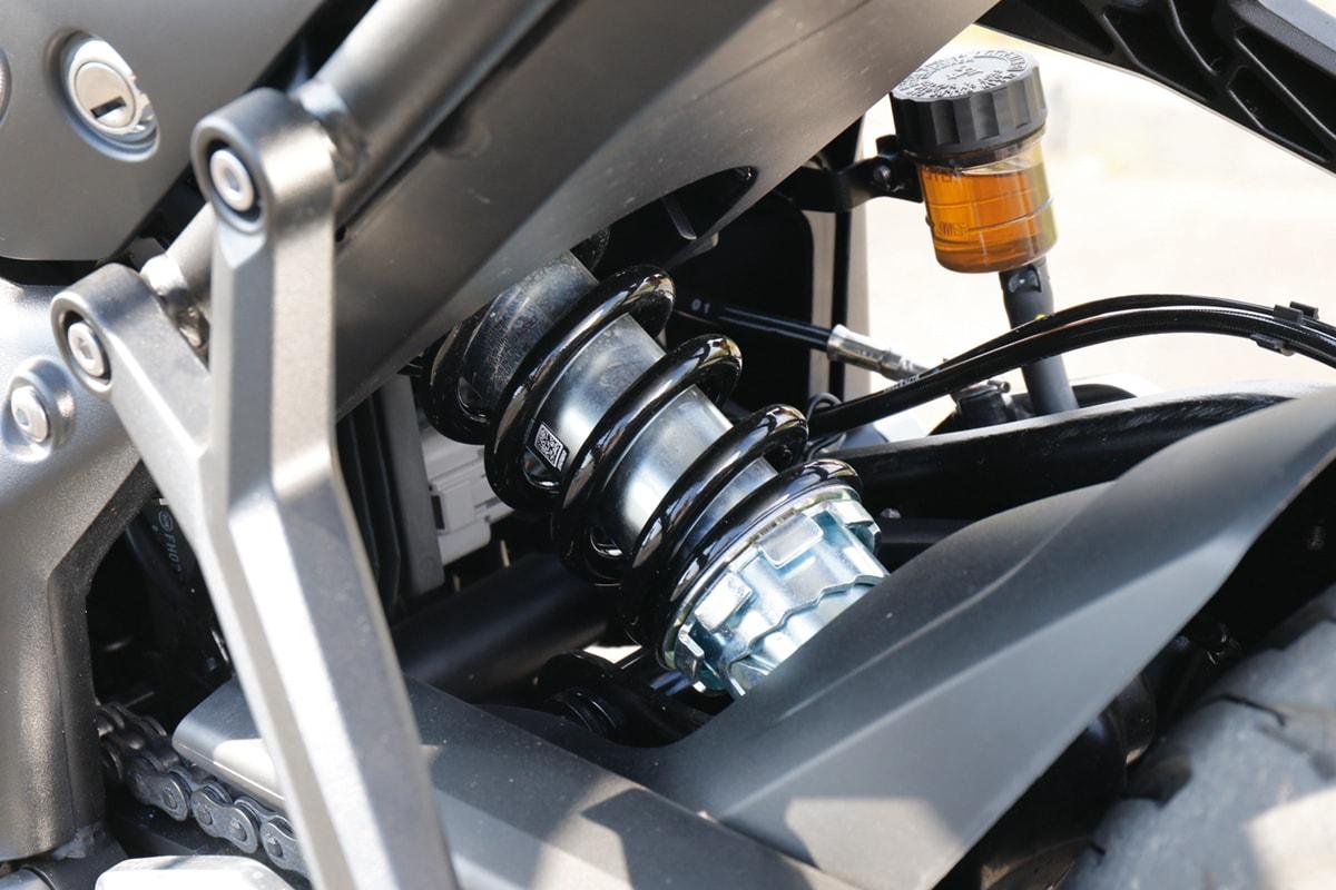 TRIUMPH TRIDENT660 リヤサスペンション
