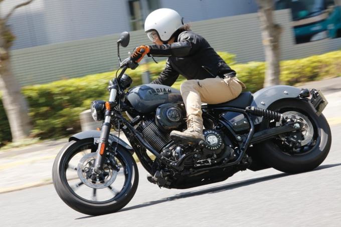 INDIAN MOTORCYCLE CHIEF DARK HORSE 走りイメージ