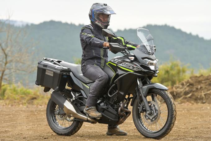 カワサキ VERSYS-X 250 TOURER 乗車姿勢